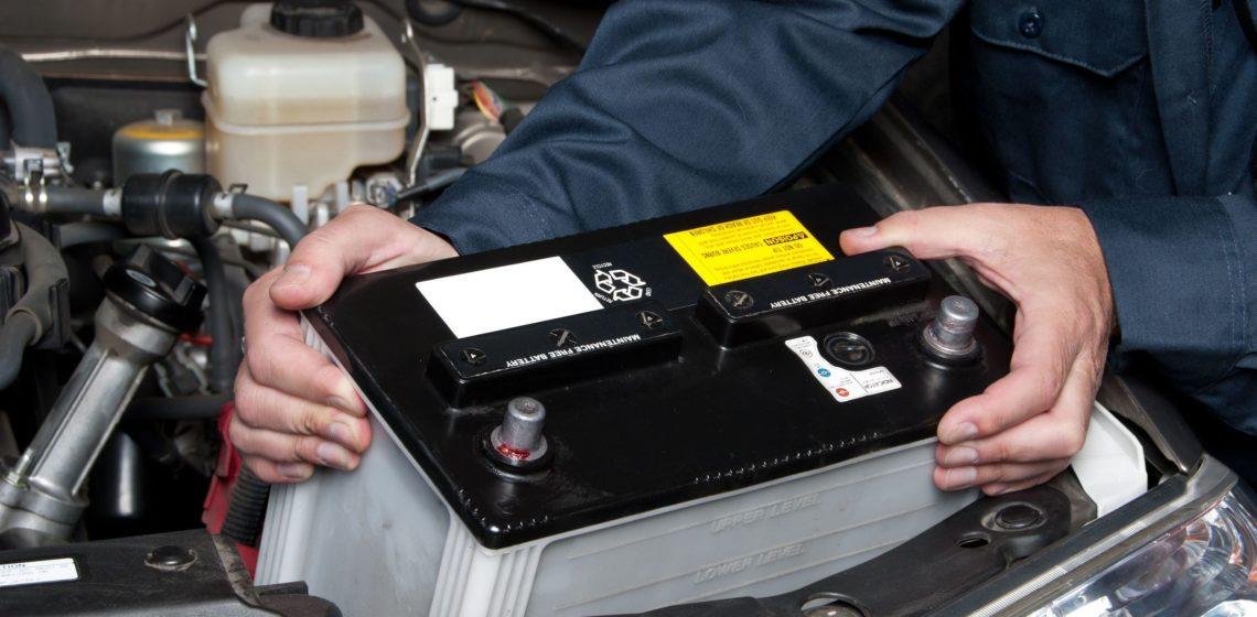 Etudiants-comment-changer-la-batterie-de-votre-voiture-.jpg